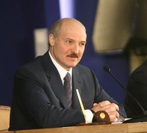 В предложении организовать в Белоруссии встречу патриарха с папой нет никакой политики - Лукашенко