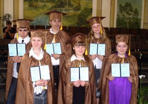 31 мая в церкви «Христос для всех» г. Солигорска состоялось праздничное служение вручения свидетельств ученикам воскресной школы.