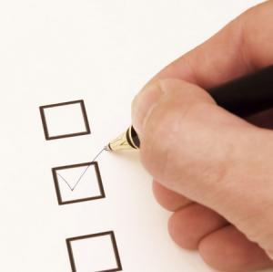Опрос: 4 из 5 американцев считают, что учащимся следует молиться на школьных мероприятиях