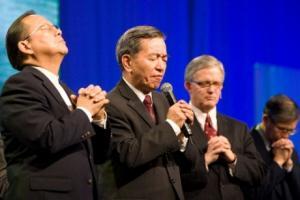 Кейптаун 2010: Отсутствующая китайская делегация обратилась к участникам Лозаннского конгресса с помощью стихов из Библии и песни
