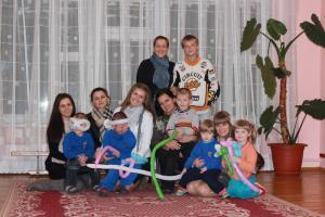 GraceChildren служили в детском доме Марьиной Горки