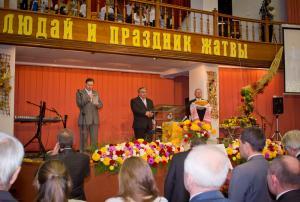 Служение благодарения за плоды земли прошло в церкви «Благодать»