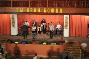 Молодежь из Бреста послужила в церкви