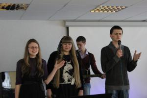 О смирении перед Богом рассказали на подростковом служении (фоторепортаж)
