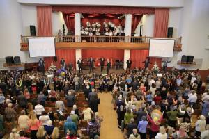 Молитва за благословение учащихся и детей прошла в церкви