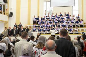 Праздник Троицы прошел в Барановичской церкви «Спасение»