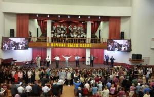 Церковь «Благодать» Минска благословила учащихся на новый учебный год