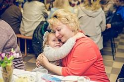 «Жизнь, скрытая в морщинках». Богослужение, посвященное бабушкам, прошло в «Вознесении»