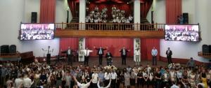 Церковь «Благодать» благословила детей и молодежь на новый учебный год
