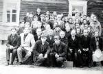 1976г - Деревня Гоцк, Минская обл, БССР - евангельские верующие возле молитвенного дома, пристроенного к дому Лихтара Николая Семеновича